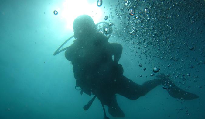 DJ from Dream Euro Trip scuba diving