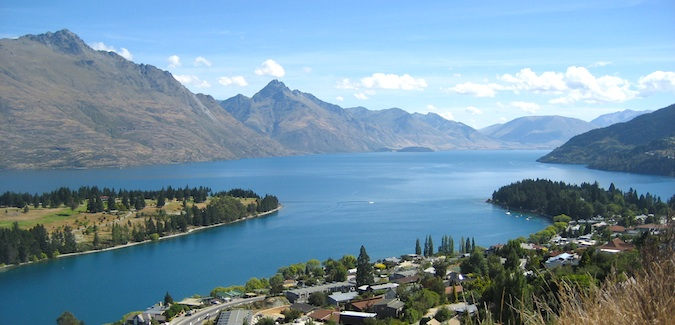 Lake Wakatipu in Queenstown, New Zealand