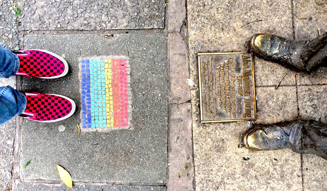 a plaque dedicated to alan turing in manchester england