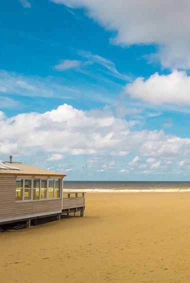 a sandy beach outside the Hague