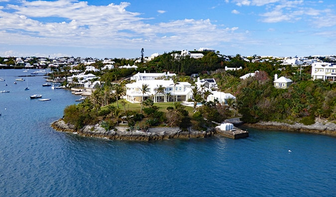 resort homes along the coast in Bermuda