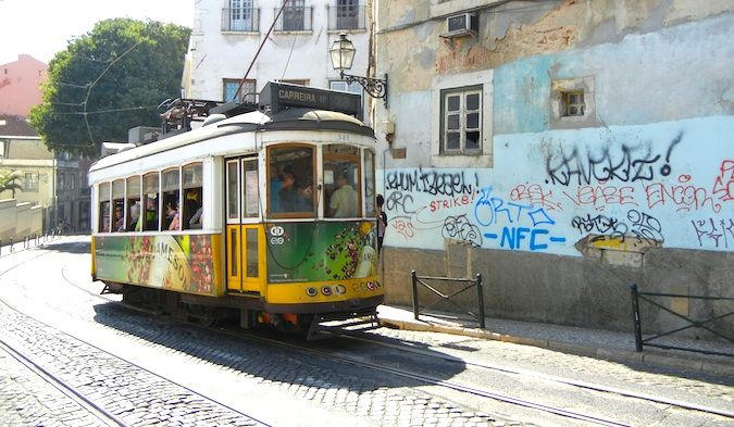 lisbon portugal historic trams