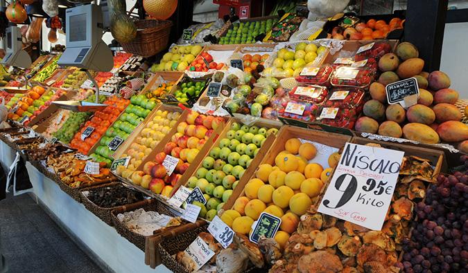 inside the mercado de san miguel (flickr: @t_abdelmoumen