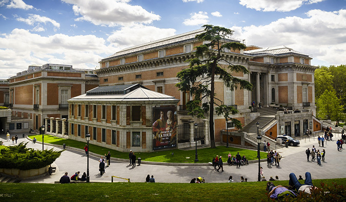 outside view of the famous prado museum