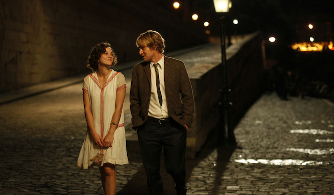 love scene from Midnight in Paris