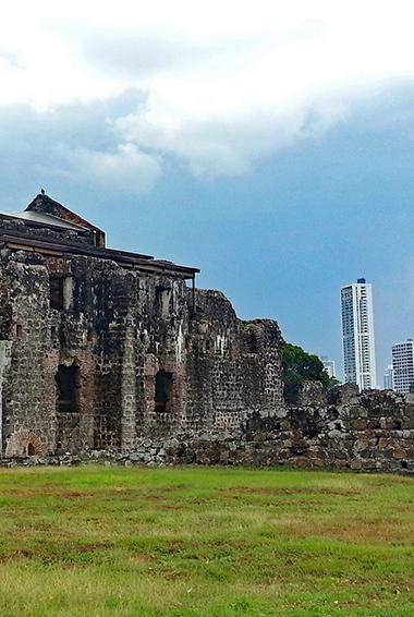 Explore Panama Viejo