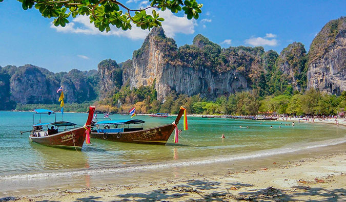 Complete Vacation Guide to Phuket, Thailand. Overseas Travel Destinations