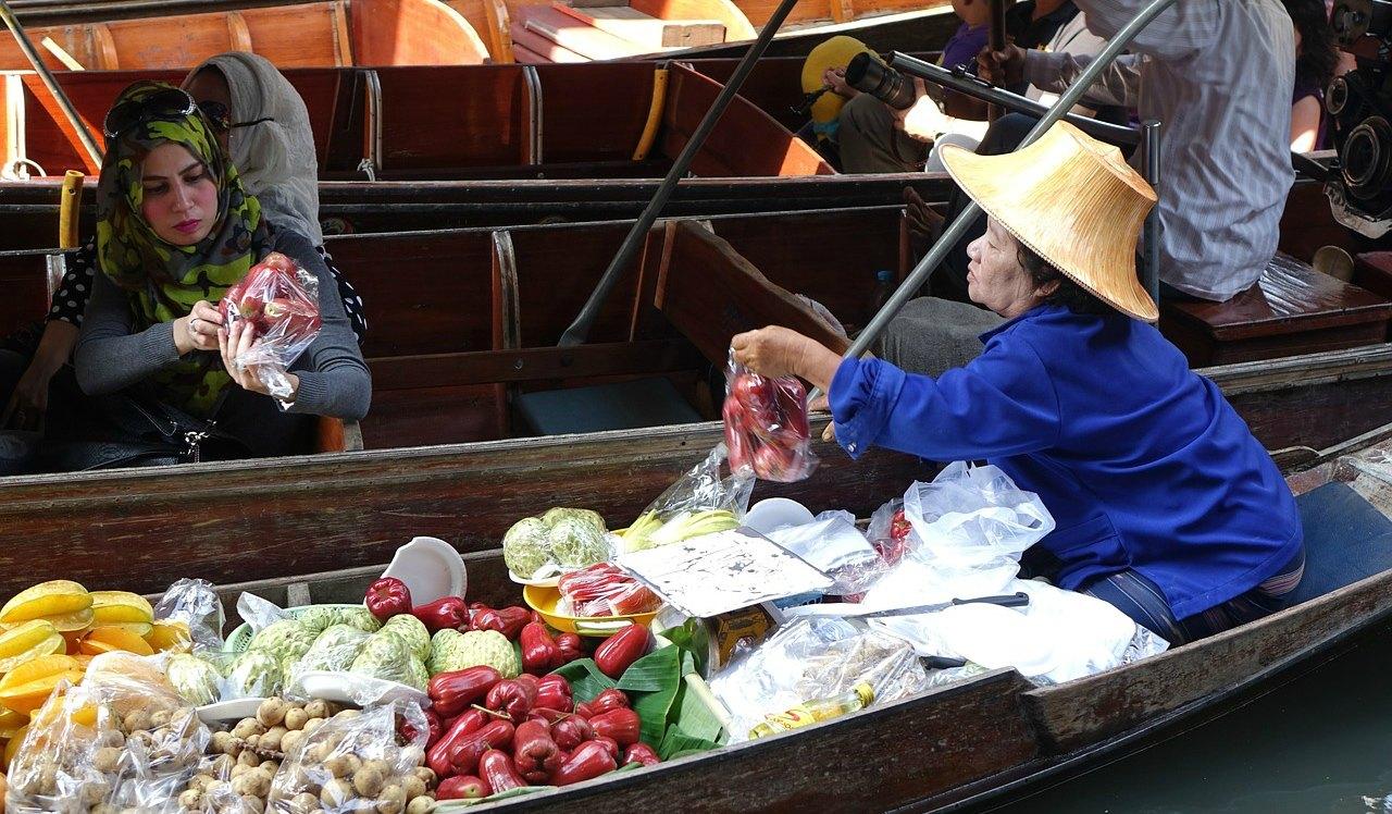 boat market in thailand