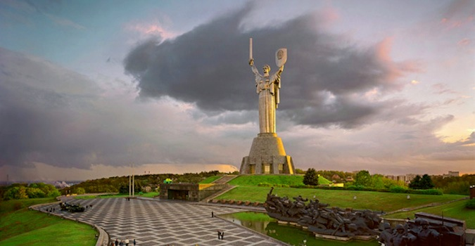 Large statue in the middle of Kiev on a cloudy day