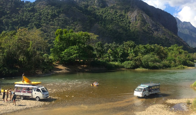 backpacker buses and transportation in vang vieng, laos