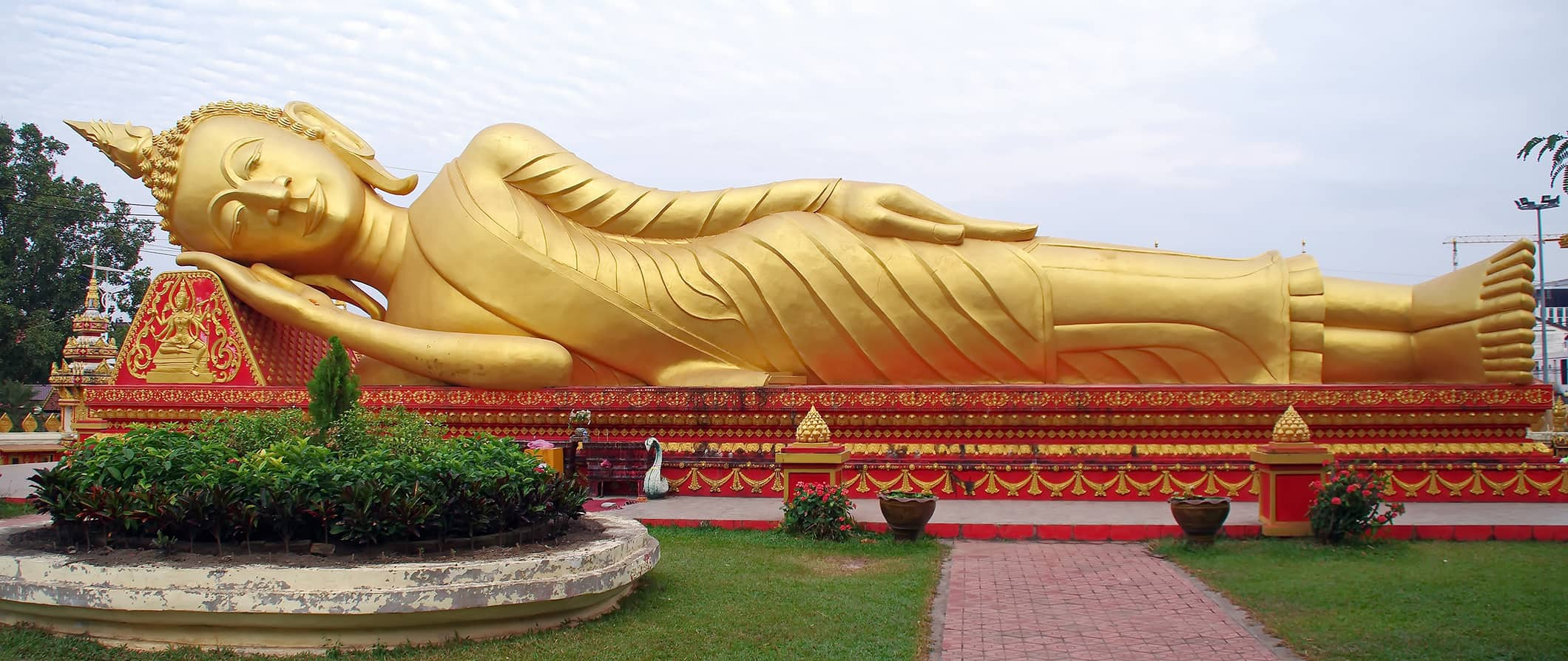 sleeping buddha in Vientiane