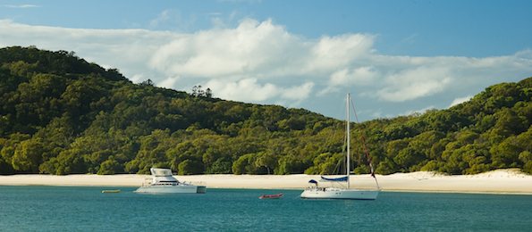 sailing around the whitsunday islands